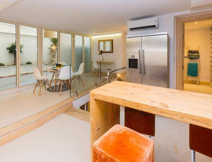 mallorca-hostel-yhostel-balears-mediterranean-hotel-alojamiento-apartments-rooms-vacacional-palma-hostal-suite-joy-45-740x566.jpg